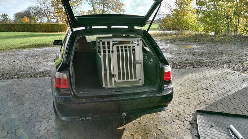 b-Safe Large - hunde transportbur i BMW 530 årgang 2006