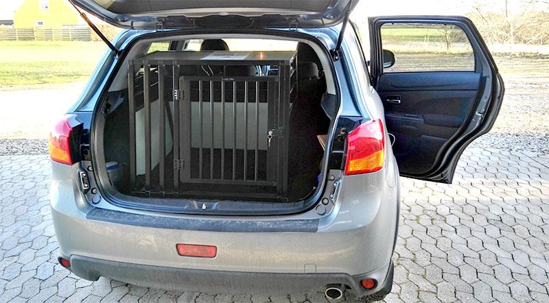 b-Safe Large Wide PRO hundebur til bilen i Mercedes B200 fra 2012