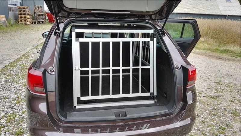 Safecrate XXL Premium i Opel Astra årgang 2016