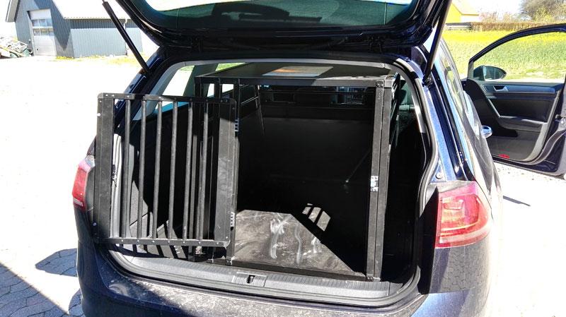 b-Safe XL PRO i VW Golf Variant fra 2016